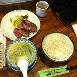 牛たん炭焼 利久 松島店 - 牛たん極定食全景。極、麦飯、テールスープ