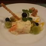 ラ タベルネッタ アッラ チヴィテッリーナ - デザート(白桃のパンナコッタ、ココナッツのムース、赤肉メロンのズッパイングレーゼ風)