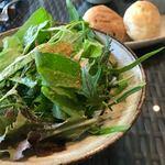 L'ISOLETTA - 40種類のサラダは、たっぷりですが、瑞々しいですよ♬