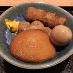 鳥焼き・蕎麦・おでん 一重 - 鳥出汁おでん5種盛 626円