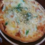 カフェ ド サンク - アスパラとサラミのピザ