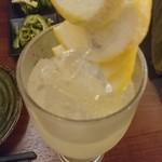 日本酒バル JINSUKE - 生搾りレモンチューハイ