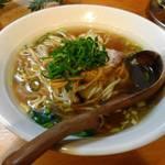 中華そば de 小松 - スープ改良後の正油中華そば