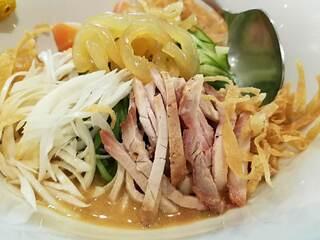 龍口酒家 本店 - ゴマダレと翡翠麺が合います