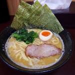 源泉 - 塩豚骨ラーメン(680円)