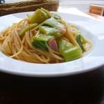 90862322 - 燻製鴨と野菜のオイルソーススパゲティ