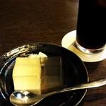 月の蔵人 - コーヒーとデザート