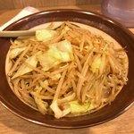 東横 - ●野菜味噌ラーメン大盛950円税込。 細麺or太麺から太麺を選択。