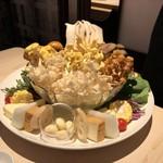90868272 - 火鍋 盛り合わせ 国産キノコ&色とりどりの野菜