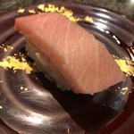 回転寿司 魚浜 - 大トロ 1カン300円