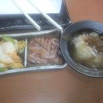 天ぷら徳家 - イカ塩辛・キムチ・大根おろしを皿に 【 2011年8月 】