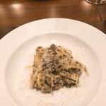 90877825 - ブラウンマッシュルームと椎茸のパスタ