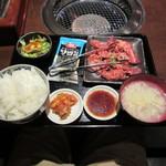一頭買焼肉 醍醐 - 肉大盛り焼肉定食(1.5倍)1480円