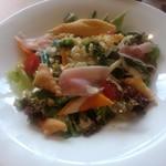 90892194 - サラダランチの「小田原産有機野菜盛り沢山のシーザーサラダ」