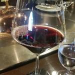 横浜うかい亭 - 赤(ピノノワール)グラス。
