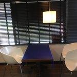 montblanc - 店内イートイン テーブル席