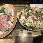 天草大王バル サンはらいっぱい - 魚の刺身とシーザーサラダ