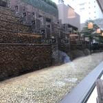 90898324 - 窓の外は枯山水(?)