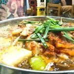 たつ屋 - ホルモン鍋¥900