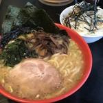 横浜家 - ラーメン