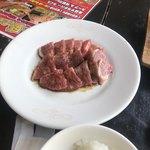 やっぱり肉が好き - 一人分の黒毛和牛のお肉です。