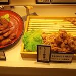 鶏三和 - ショーケース