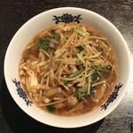 華都飯店 博多 - 料理長おすすめ豚肉とザーサイの汁そば