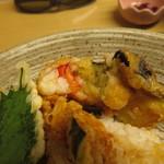 天ぷら やす田 - えびしんじょうは海老がぷりっぷりです