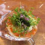 ラ・ターチ - 稲美町のトマトのカッペリーニ(細長いパスタ)ジュンサイ 海ブドウ セロリ コリアンダー