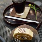 カフェミヤマ - 黒蜜きなこのロールケーキ
