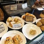 ピースフラワーマーケット&カフェ - 人気のスコーン。