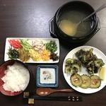 """ブルースカイ - ゴーヤともずくの天ぷらを添えて """"鶏飯"""" いただきま〜す"""