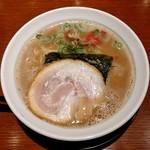 麺処 あじ家 - 料理写真:魚介豚骨(740円)