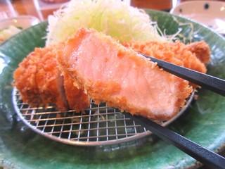 富山豚食堂 かつたま - 厚切りロースカツ定食(150g)1400円