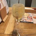 俺のBakery&Cafe - 俺の泡(スパークリングワイン) 500円(税込)