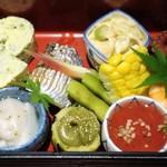 旬膳 八起 - 料理写真:色とりどりのキレイな料理たちが、みやびな世界観をかもし出してるでしょ~(o'ヮ'o)おぉ♪