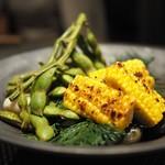 """粲 - """"季菜:枝豆と玉蜀黍のグリル"""" 京都伏見産の枝豆に鹿児島のゴールドラッシュを能登のお塩で。"""