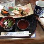 かねご寿司 - 料理写真:中にぎり=1200円 吸物付