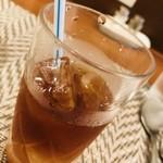 オニオン・チョッパーズ - セットのドリンク ウーロン茶