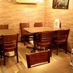 アガリコサッポロ - テーブル席