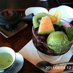 茶楽人 - 料理写真:クリームあんみつと玉露のセット 900円+100円