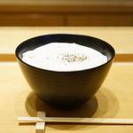 90932613 - 初代の白いカレーうどん (¥1,188)