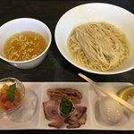 麺バルHACHIKIN - 料理写真:レモネード塩つけSoba 味玉トッピング(1,000円+100円) 2018.8
