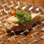私厨房 勇 - 蒸し鶏の葱生姜野沢菜ソース