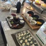 Restaurant Forest Coast - 料理-笹寿司冷やし雲呑麺