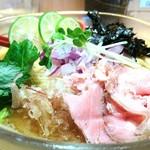 焼きあご塩らー麺 たかはし - 秋刀魚と鮪の冷しそば 900円