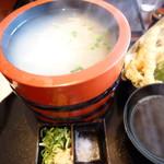 つる兵衛 - 天ぷらと釜揚げうどんのセット1290円(税別)