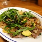 トラットリアモッチ - 伊賀牛のガーリック焼飯 大葉風味