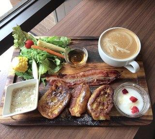 グラムス カフェ - フレンチトーストプレート 860円(税込)