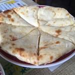 アーチャーラ - チーズナンのアップ
